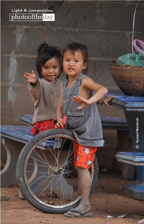 Kids by the Road, by Ryszard Wierzbicki