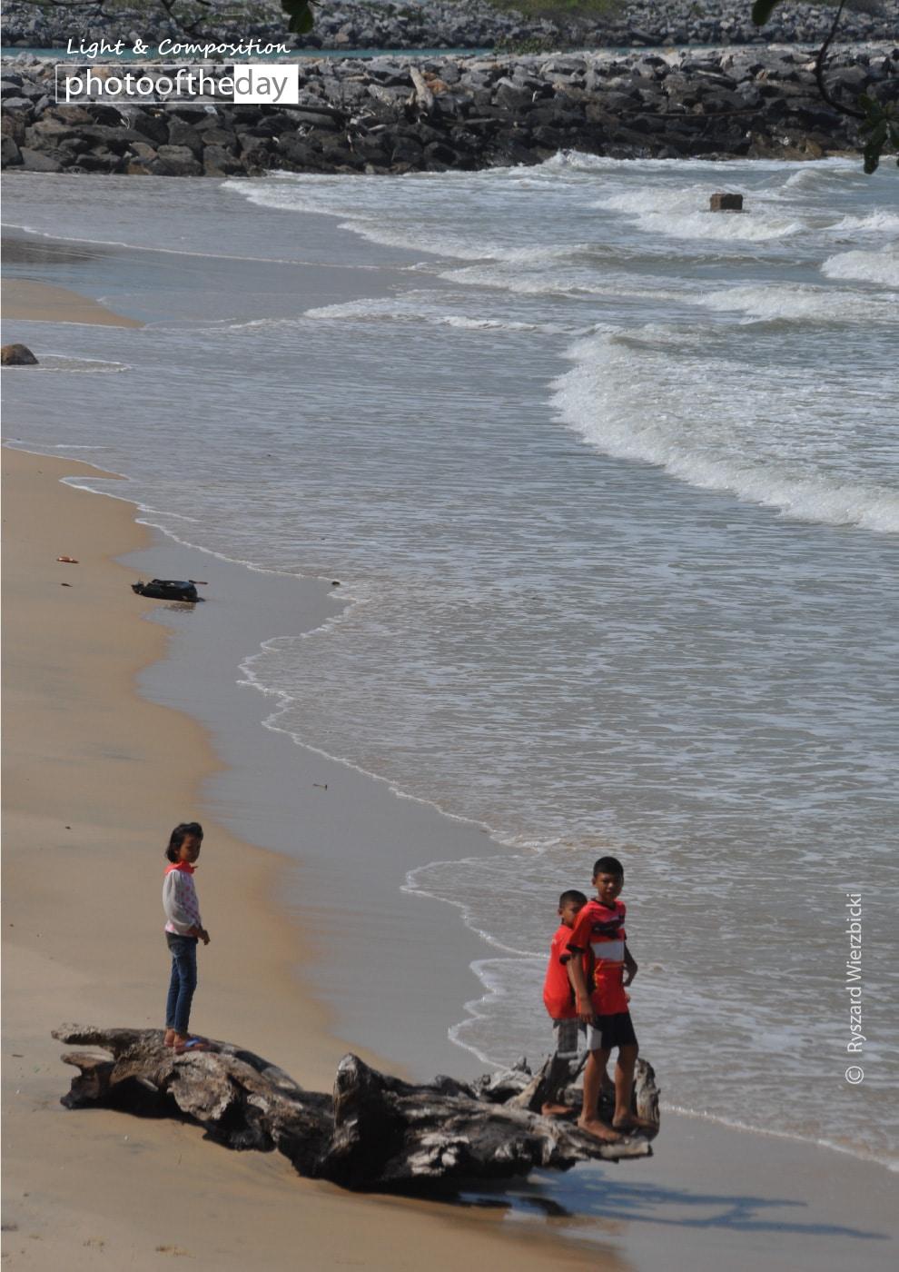 Sichon Beach, by Ryszard Wierzbicki