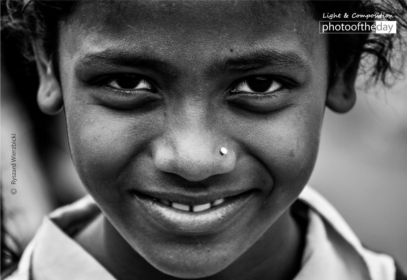 Pune Street Smile by Ryszard Wierzbicki