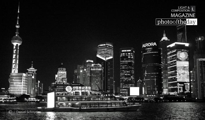 Bye bye Pudong, by Daniel Schnyder