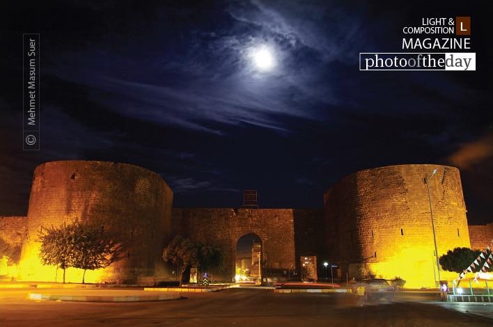 Diyarbakir Castle under the Moonlight, by Mehmet Masum