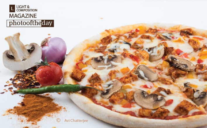 Tandoori Pizza, by Avi Chatterjee