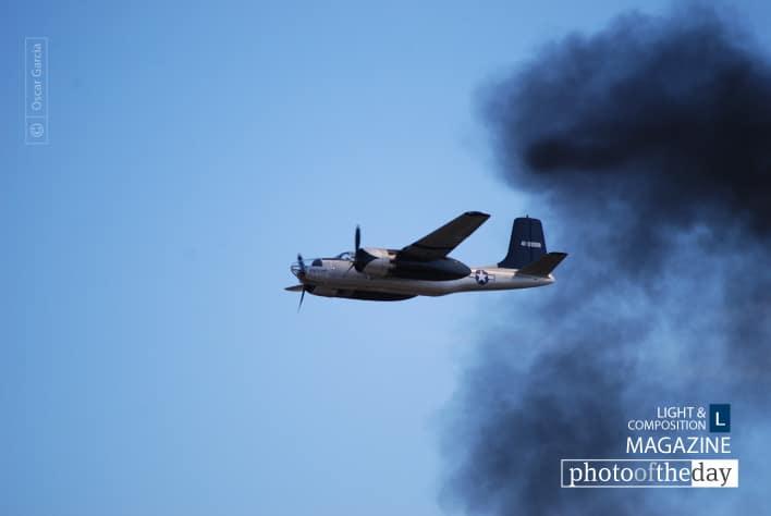Smoky Aircraft, by Oscar Garcia