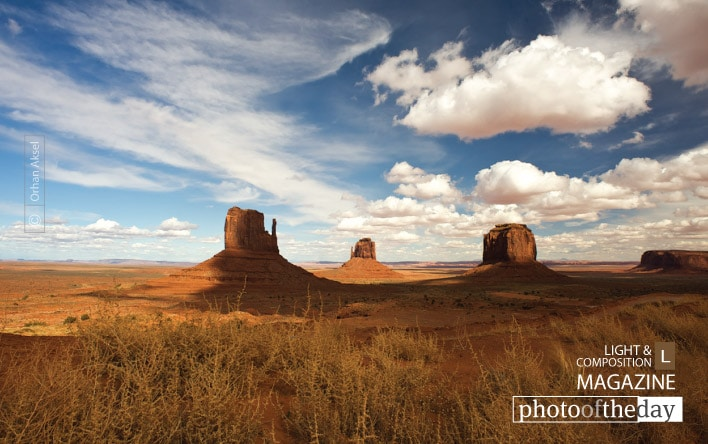 Monument Valley, by Orhan Aksel