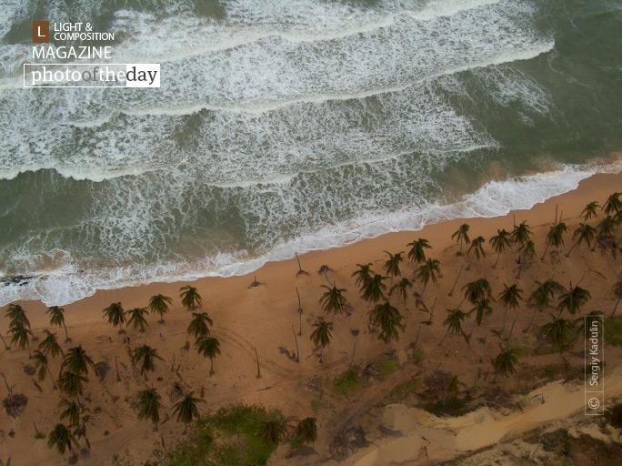 Dominikana Ocean Line, by Sergiy Kadulin