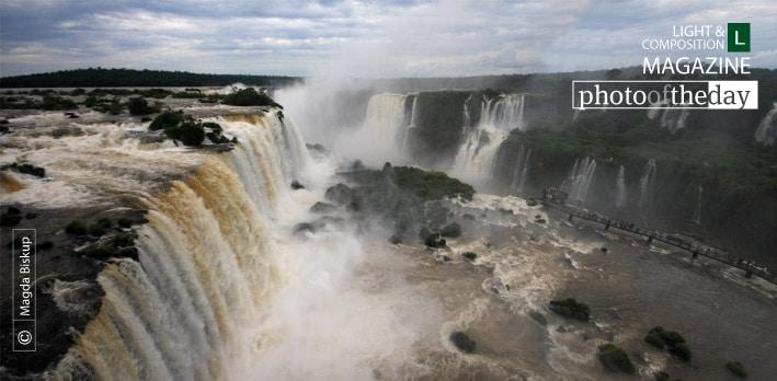 Iguazu, by Magda Biskup