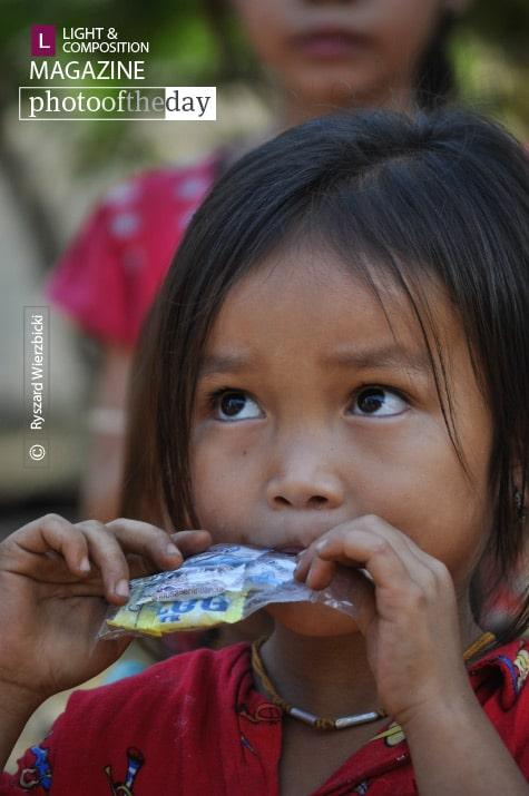 Laotan Girl, by Ryszard Wierzbicki