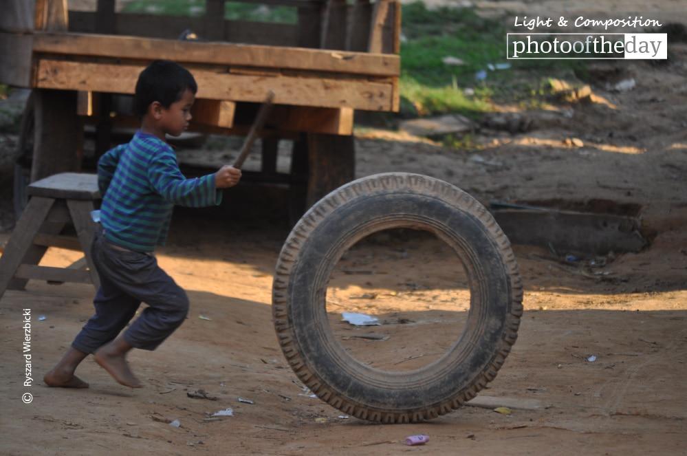 Running Tyre, by Ryszard Wierzbicki