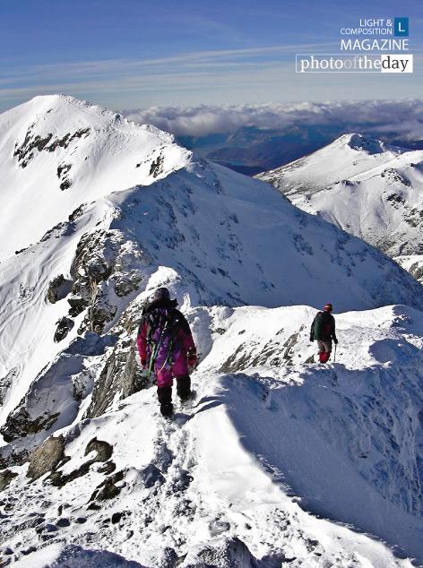 Descending the Espigüete Peak, by Félix Sánchez-Tembleque