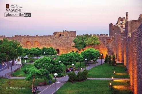 An Evening at Diyarbakır Castle, by Mehmet Masum